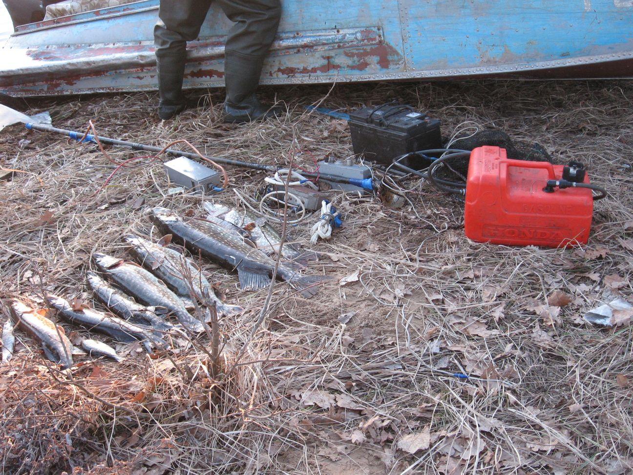 рыбаки взорвались