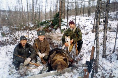 Охота на медведя в зимний период очень сложна, но увлекательна.